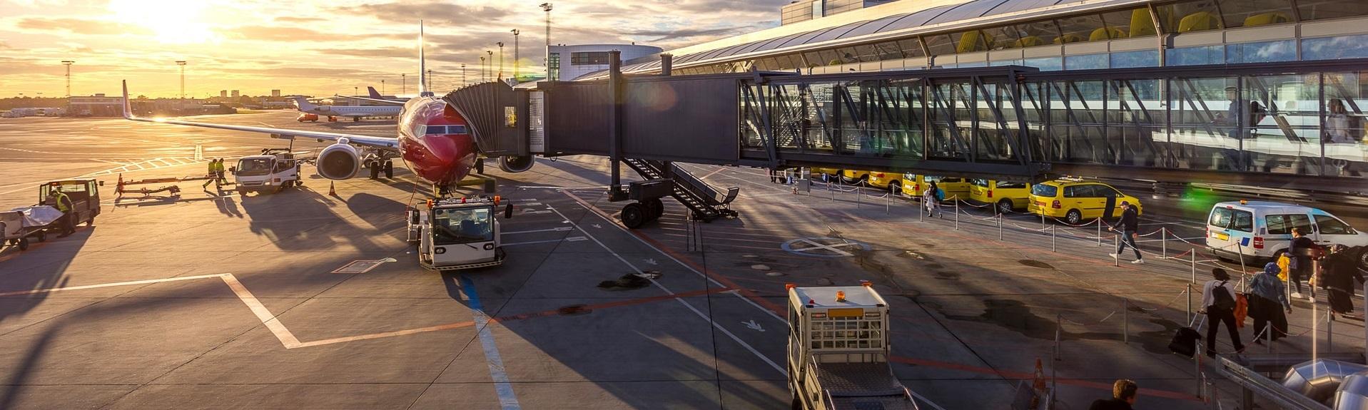 delayed aircraft waiting at gate